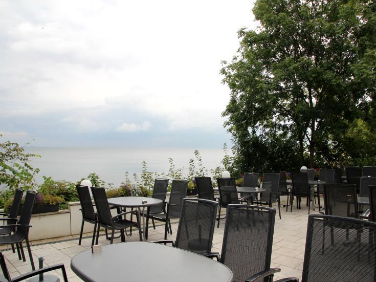 Terrasse mit Blick auf Ostsee